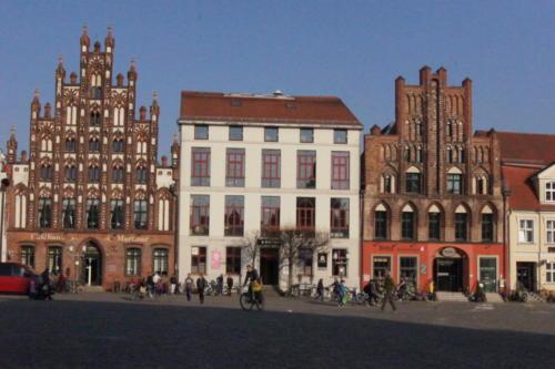 Plaza del mercado de la Ciudad Hanseatica de Greifswald